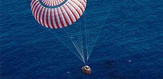 Apollo-16-Splashdown-Callout_optimized
